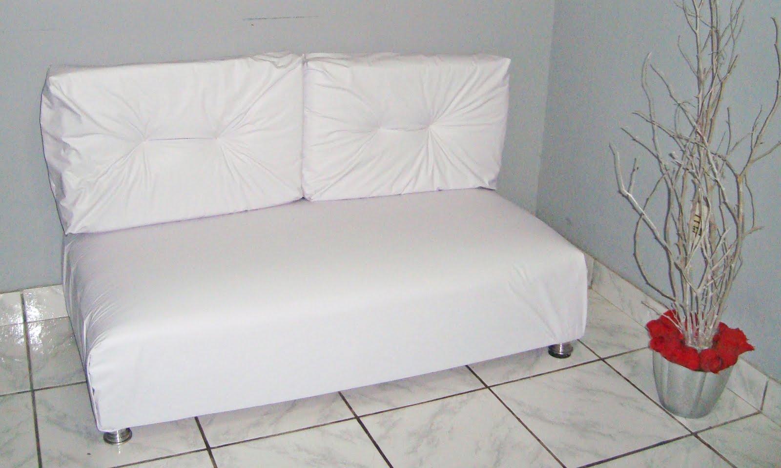 Acredite esse sofá é de pallet. O passo a passo é daqui http  #882528 1600x960