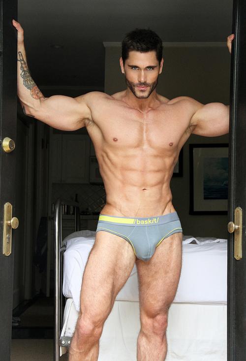 gay nudi muscolosi escort firenze donne