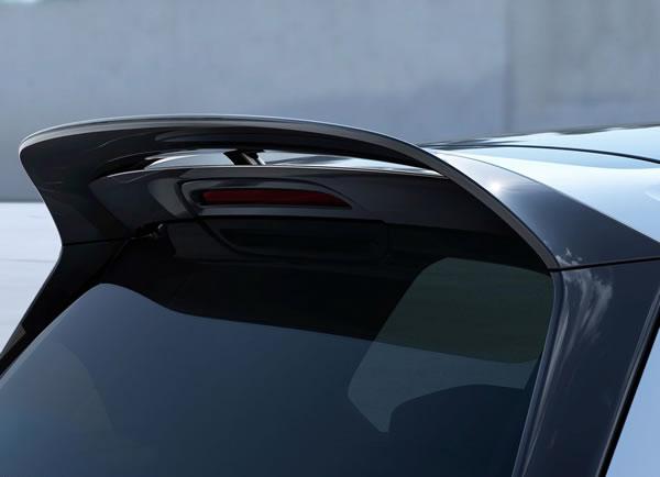 VWの「Golf GTI Clubsport」リアルーフスポイラーのアップ画像