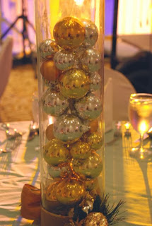 Christmas table runner with the Spheres Balls, Part 1