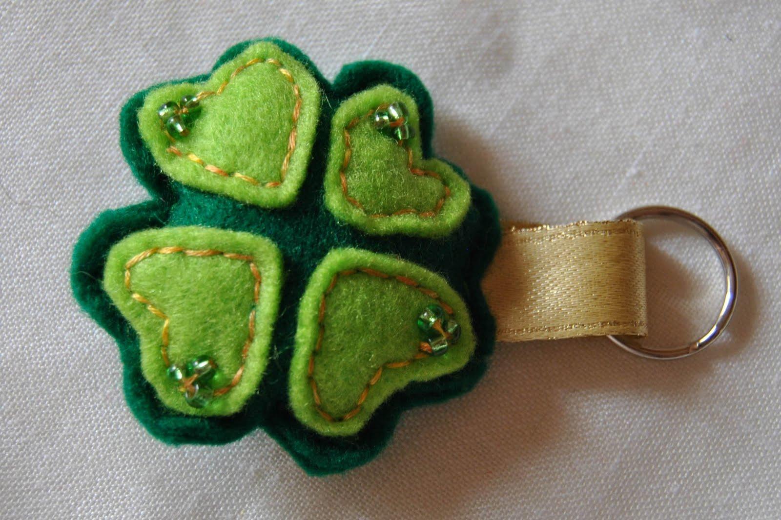 Le creazioni di fatafiona portachiavi in pannolenci for Portachiavi pannolenci