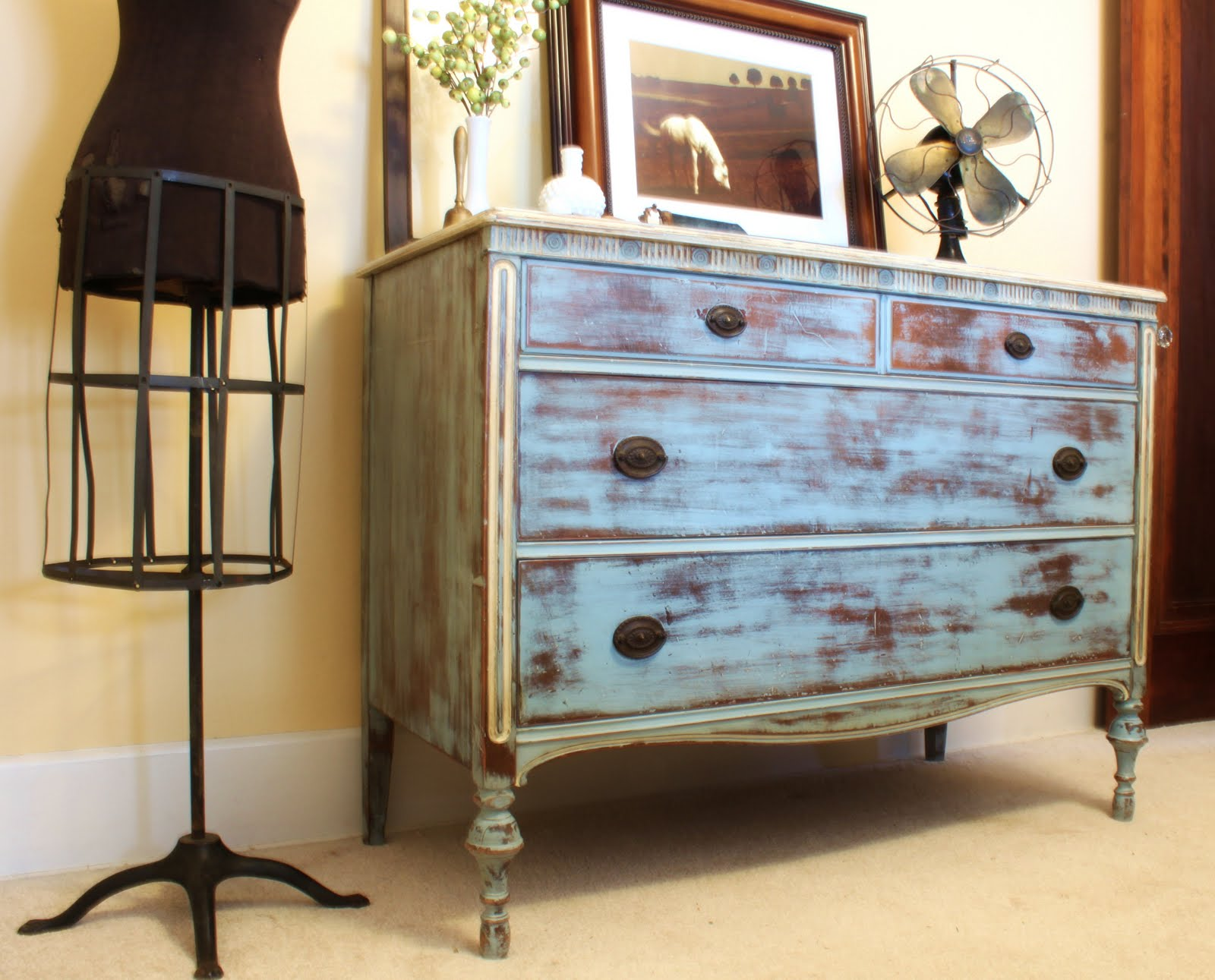 Confessions of a diy aholic heavily distressed dresser for Distressed furniture