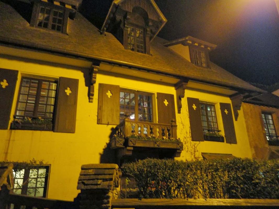 I viaggi di raffaella la roche guyon un castello for Piani di casa in stile chateau francese