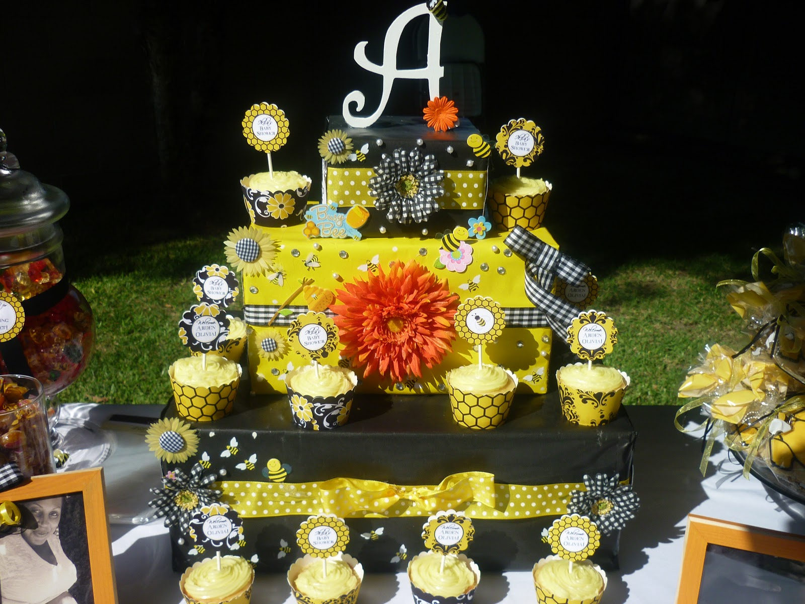 saavy events bumble bee baby shower. Black Bedroom Furniture Sets. Home Design Ideas