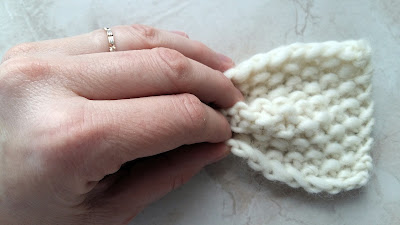 we are knitter , tricot , noeud , tuto