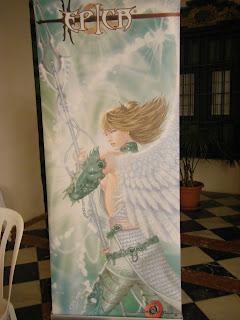 roll-up promocional del personaje Maifira ilustrado por ªRU-MOR par ÉPICA