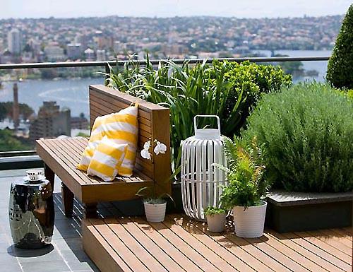 Cozy Rooftop Garden Design