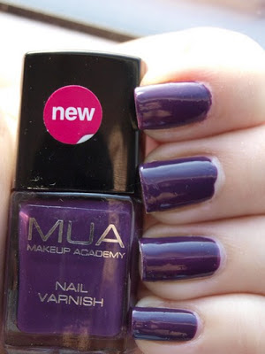 Makeup academy nail polish - Bright plum & Deepest purple