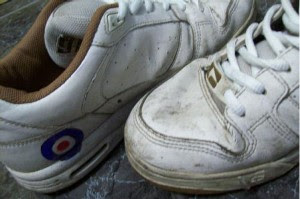 Dicas para lavar tênis branco