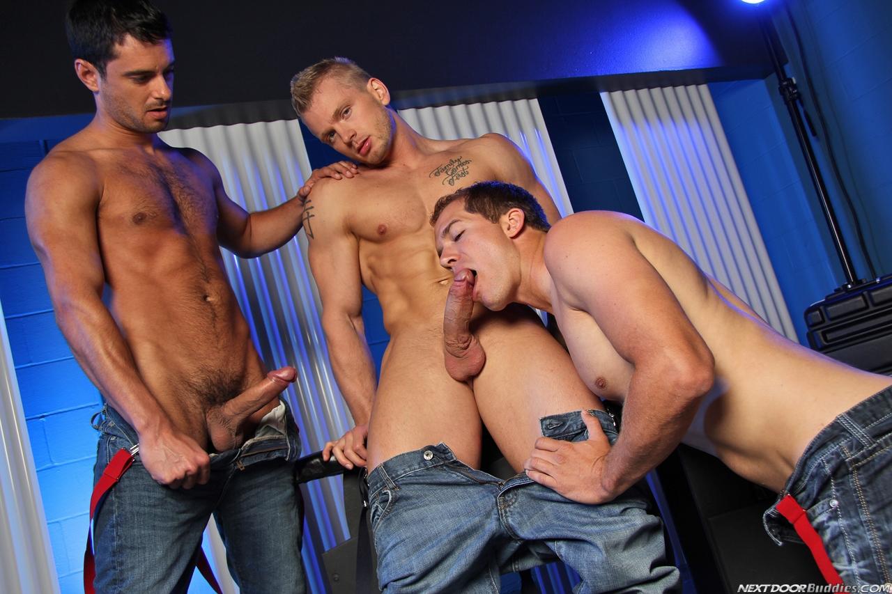 Erotico Gay Fotos De Homens Sarados Gostosos E Bem Dotados Suruba