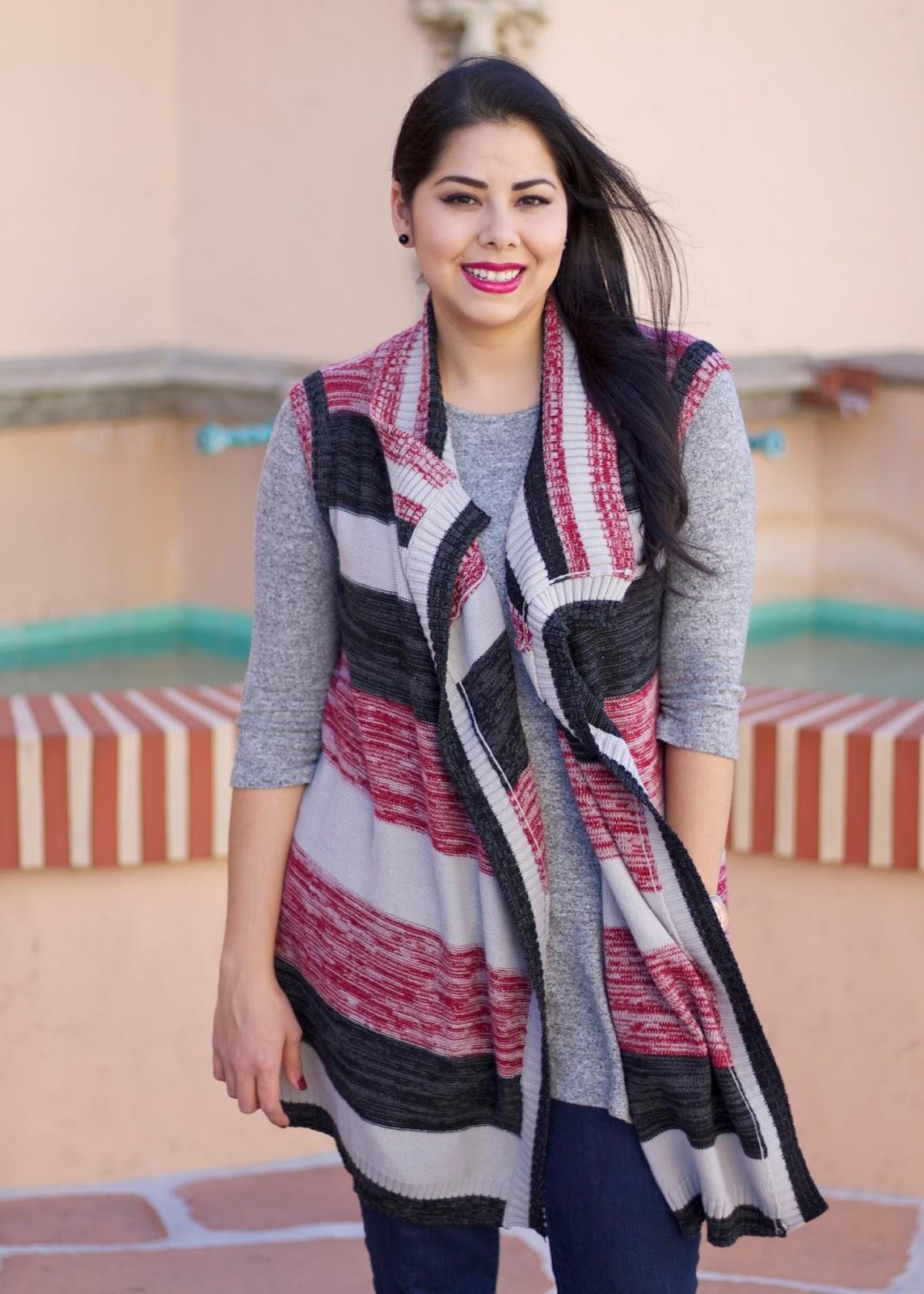 Latina Fashion Blogger, Latina Style Blogger, Mexican Fashion Blogger, brunette blogger, knitted vest for Fall