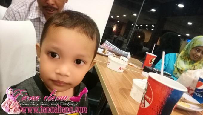 Si Bongsu dah pandai bergambar dan selfie