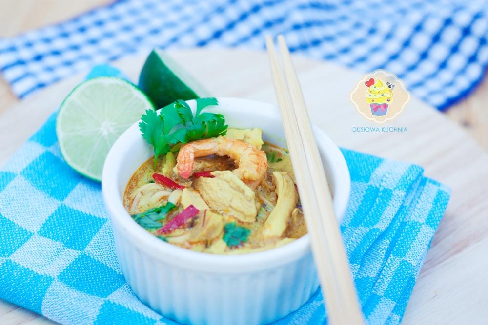 tajska zupa z mleczkiem kokosowym, tajska zupa z kurczakiem, tajska zupa z krewetkami, tom yum przepis, przepis na tajską zupę