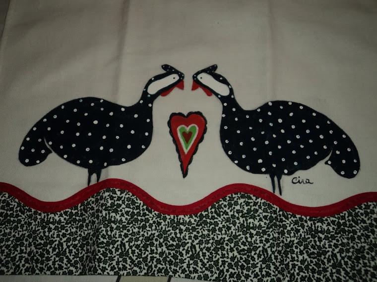 Pintura em  Panos de Prato, par de galinhas, acabamentos em barra de tecido de algodão