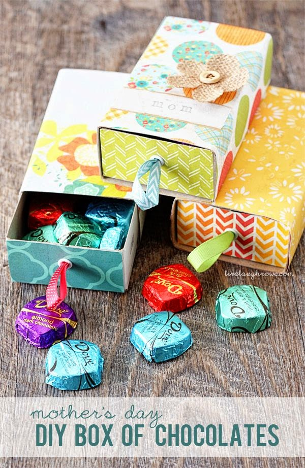 http://livelaughrowe.com/mothers-day-diy-box-of-chocolates/
