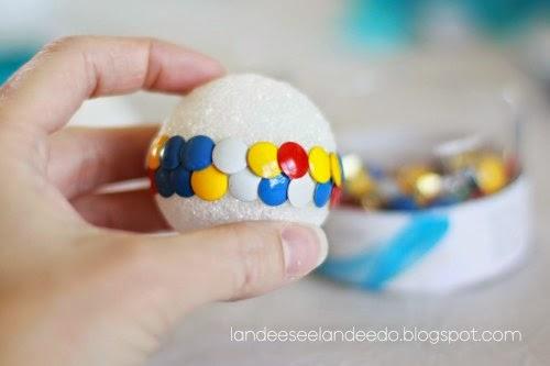 fazer bola com tachinhas DIY