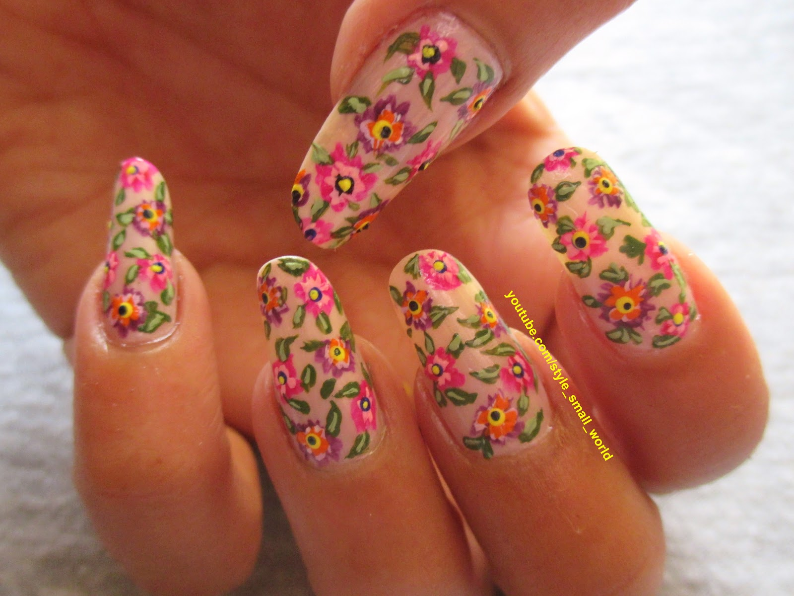 Style small world easy floral nail art design this video will guide you step by step how you can make this floral nail art design at home i hope you guys will enjoy this prinsesfo Images