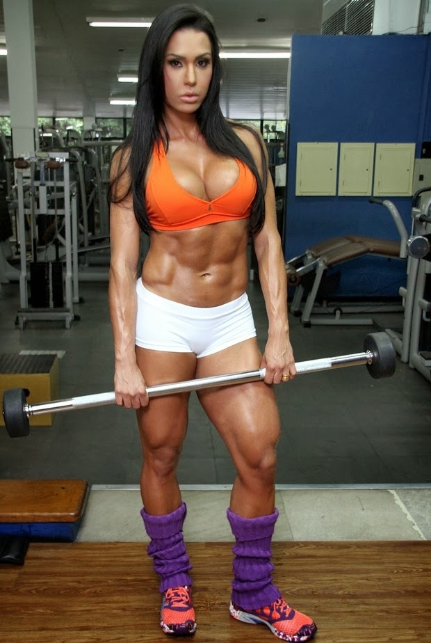 hot girl pic with muscle: