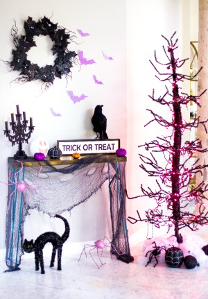 Create a Spooky Halloween Foyer!