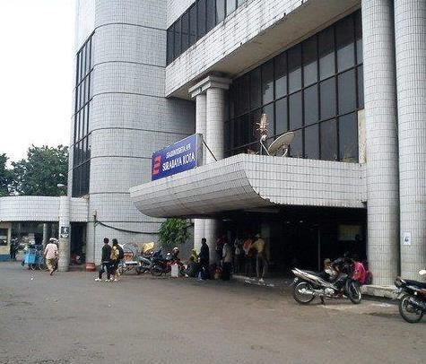 Stasiun_Surabaya_Kota_atau_Semut