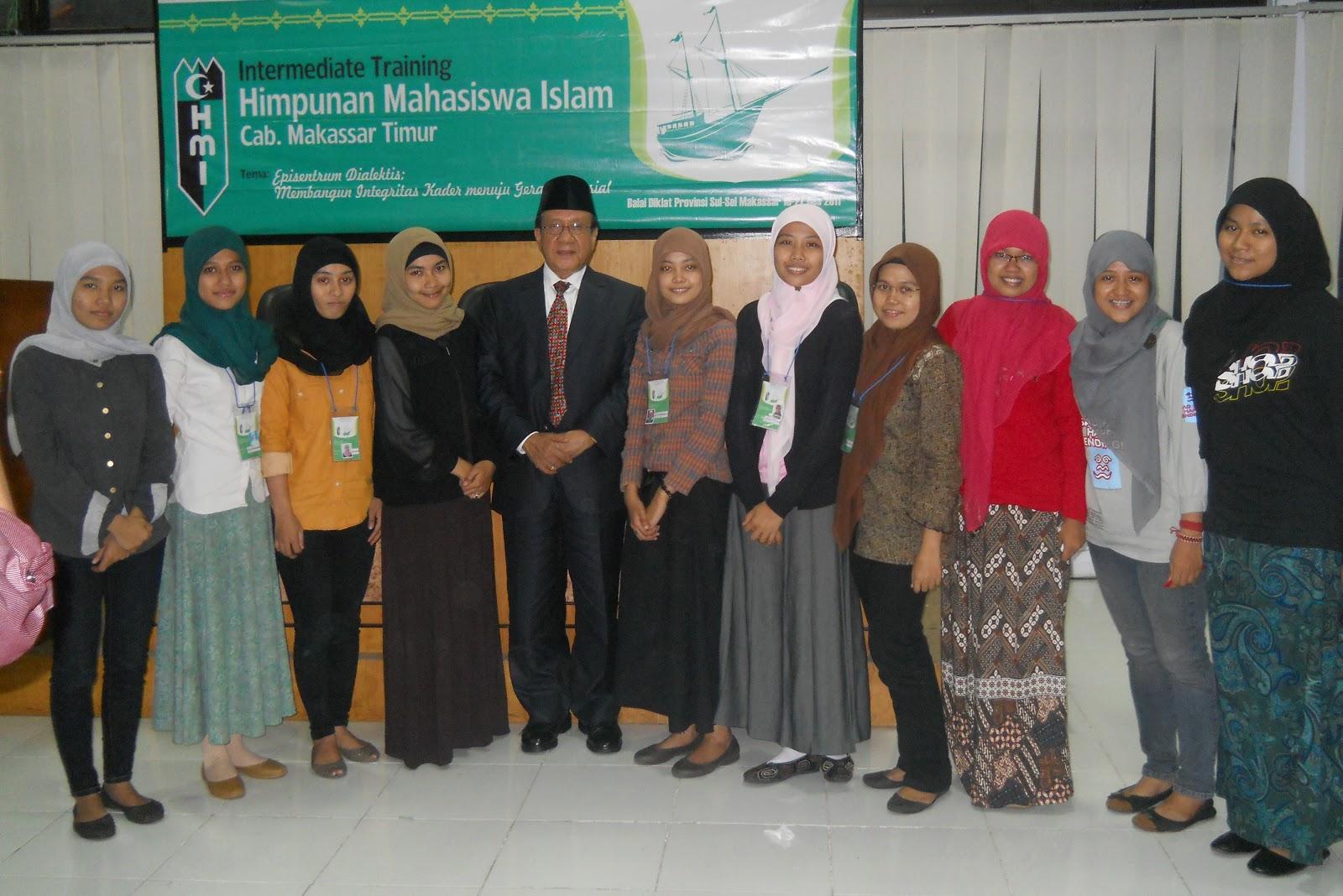 Kohati HMI Cab. Makassar Timur Bersama Kakanda Akbar Tandjung
