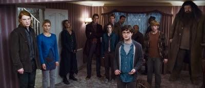 Harry Potter (Daniel Radcliffe) et ses amis résistants dans Harry Potter et les reliques de la mort (partie 1)