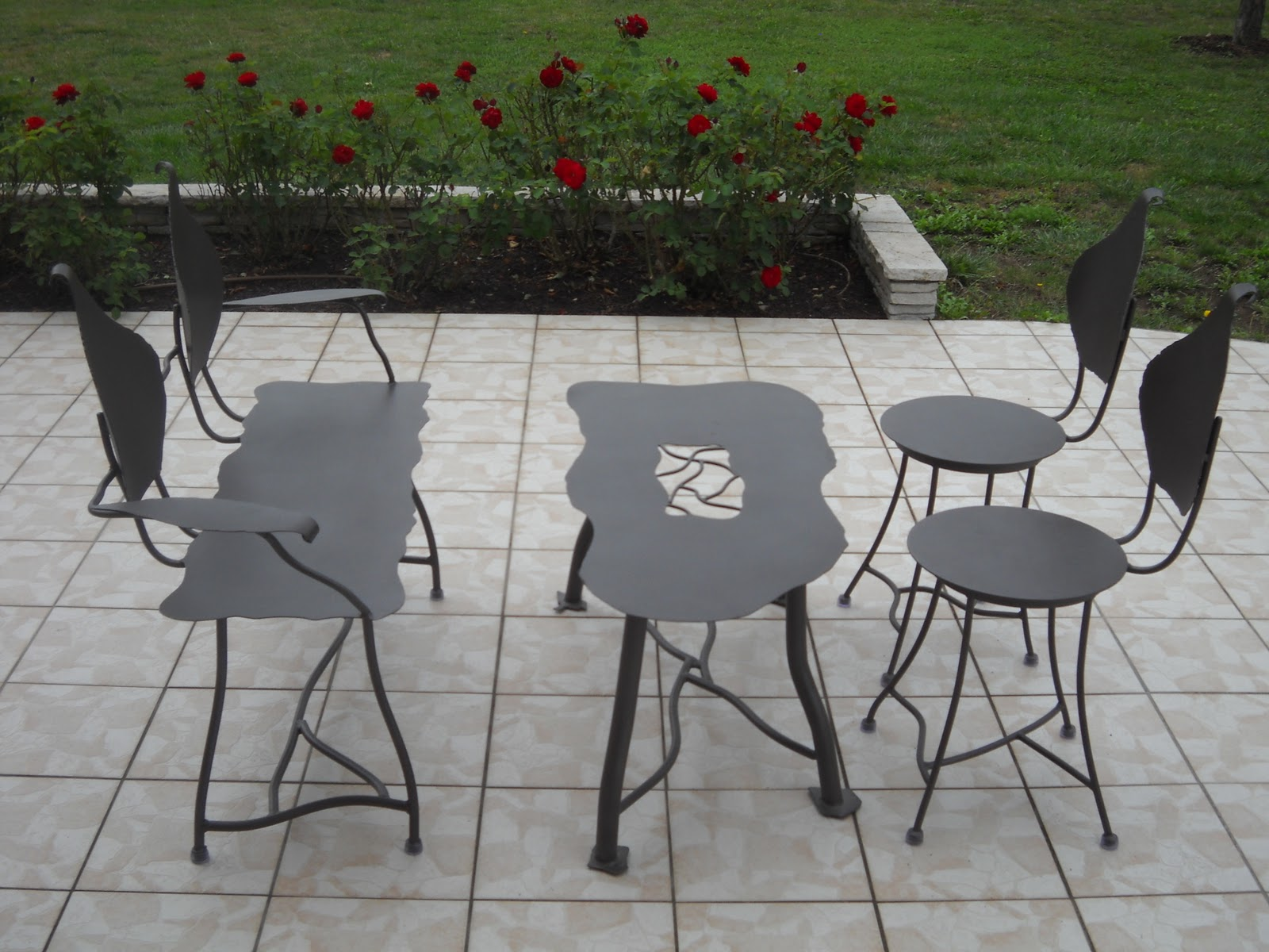 Deco phil salons de jardin for Hauteur table de jardin