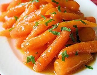 Sunburst Oranges Orange-Ginger-Glazed Carrots