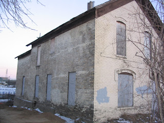 Abandoned mn old brick houses north minneapolis jan 2006 for Front door hennepin county