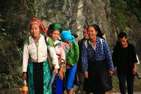 Náo nức đi chợ phiên Lũng Phìn Hà Giang1