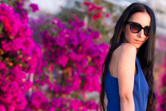 Outfit con Vestido Azul Klein