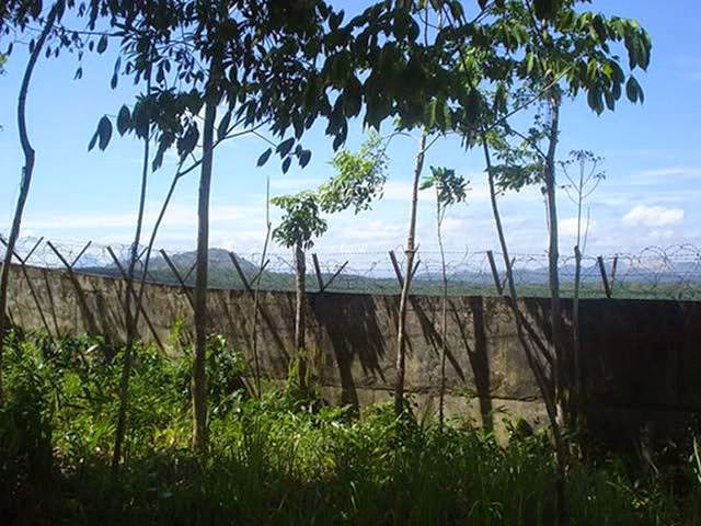 Border barriers Malaysia - Thailand