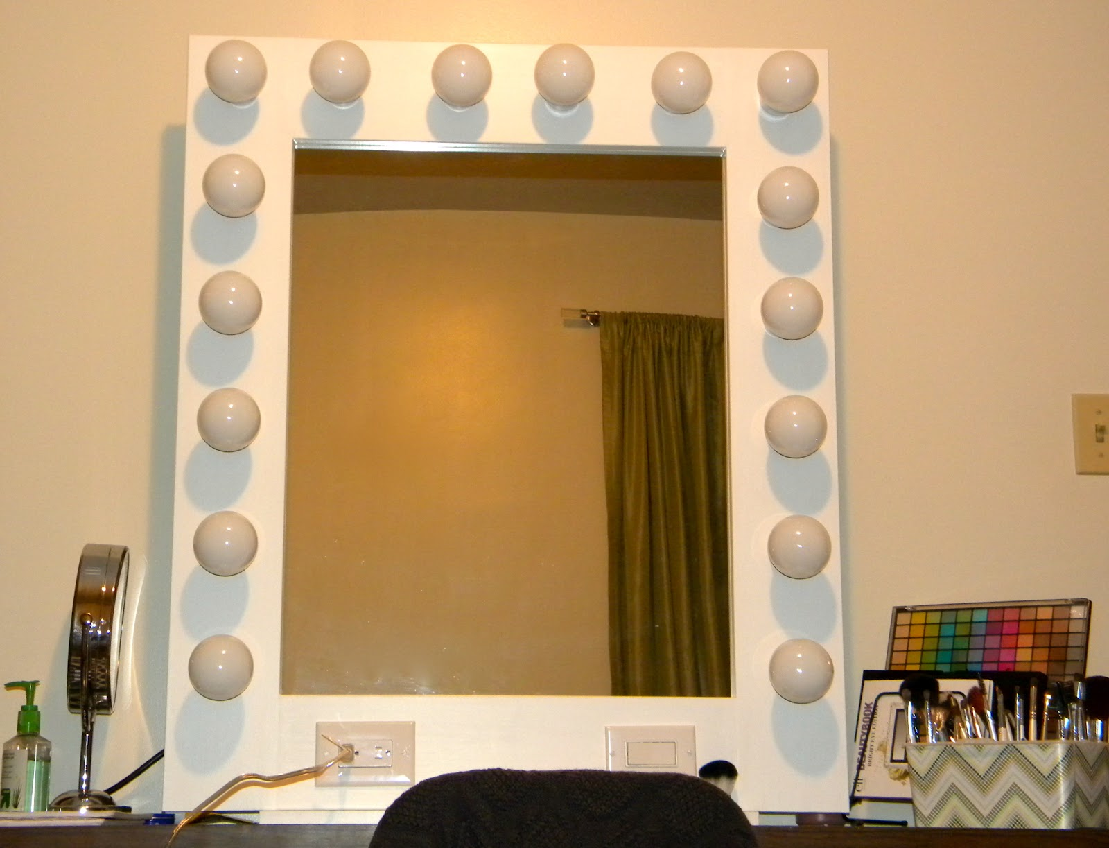 Vanity Mirror With Lights Sam S Club : BE~U~TIFUL { Imperfection is Beauty Madness is Genius}: Hollywood style Vanity Mirror Completed