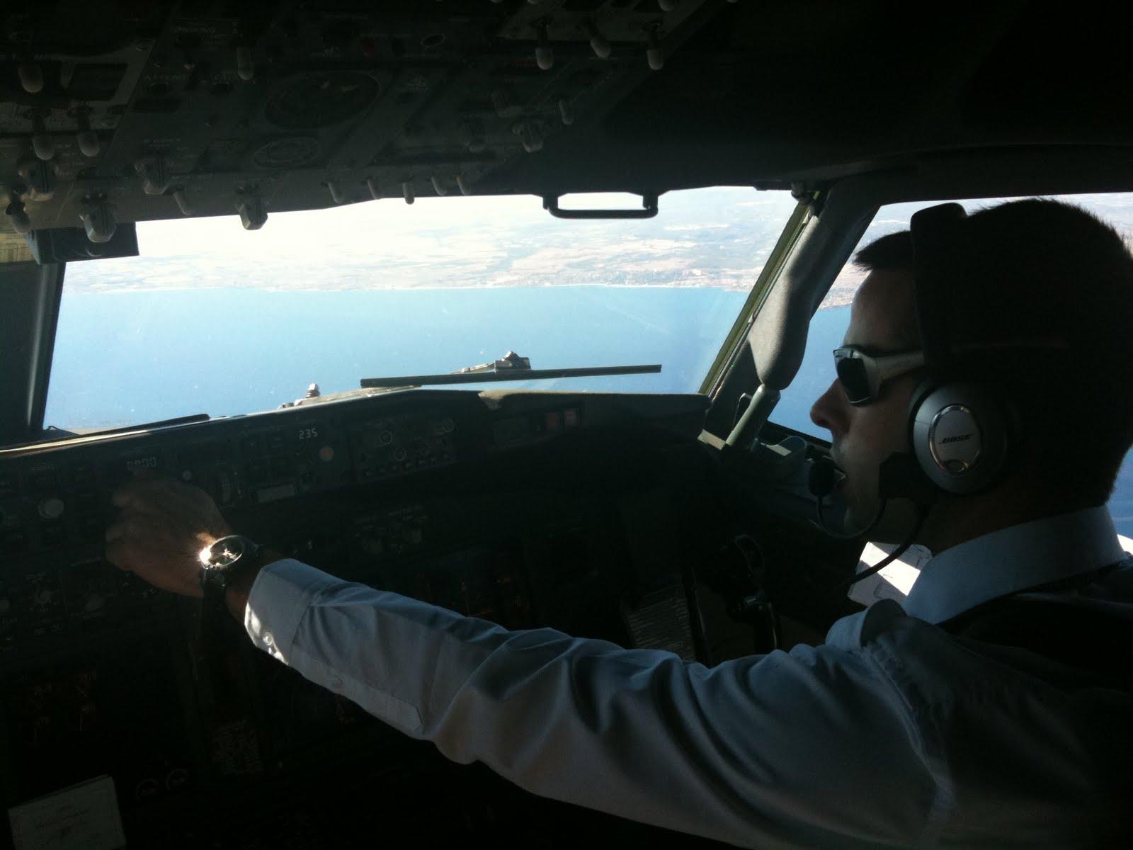 Mi hermano Moisés Pilotando
