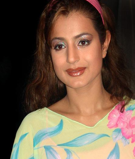 Maxim Cover Girls: Ameesha Patels The Man Magazine Photos