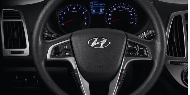 2013 Hyundai i20 interior