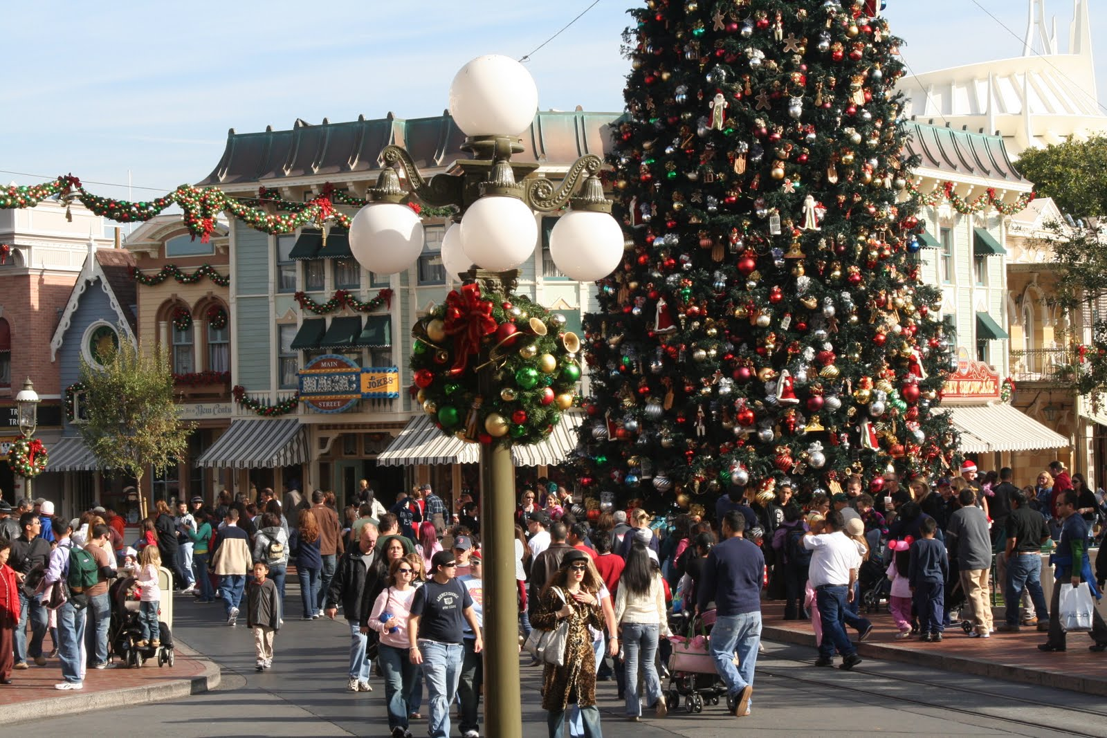 best and worst times to go to disneyland