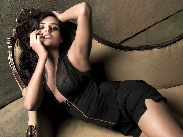 nathalia kaur spicy nathalia kaur new hot images