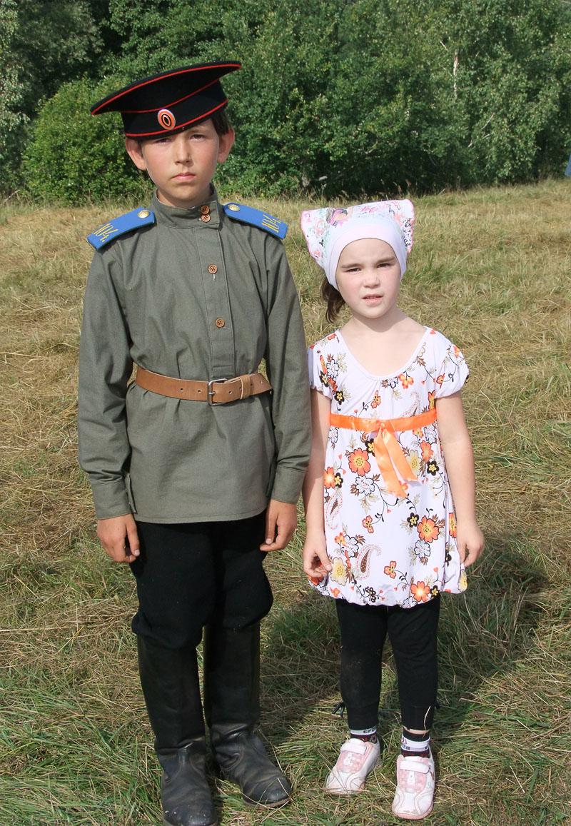 Рядом с сыном полка