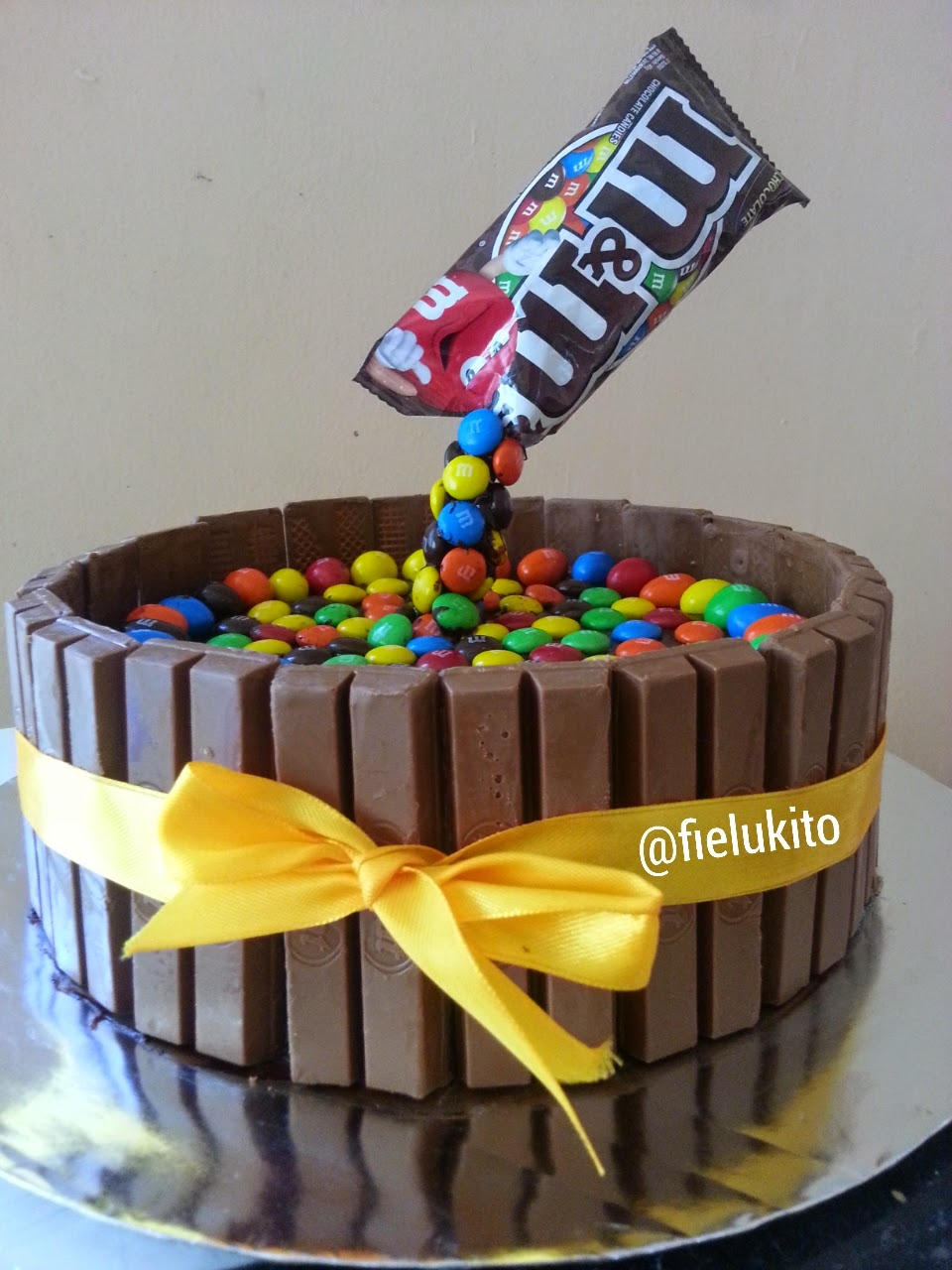 Im Just Ordinary Me MM Gravity Cake