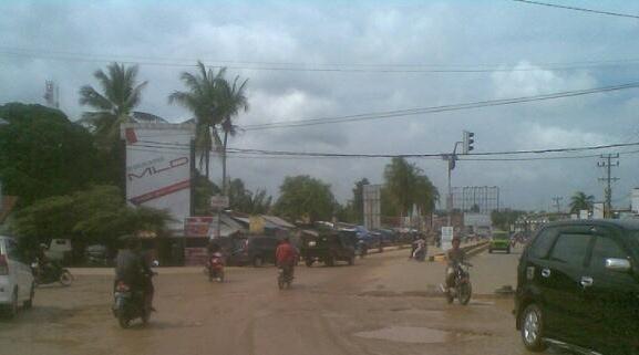 Dewan Desak Bupati Tebo Segera Perbaiki Jalan Wirotho Agung
