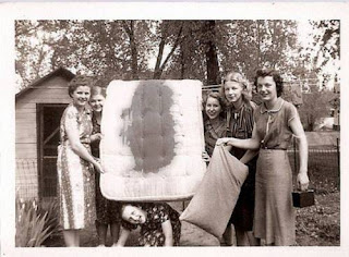 creepy scary weird wtf vintage photo image funny ladies girl women mens pms