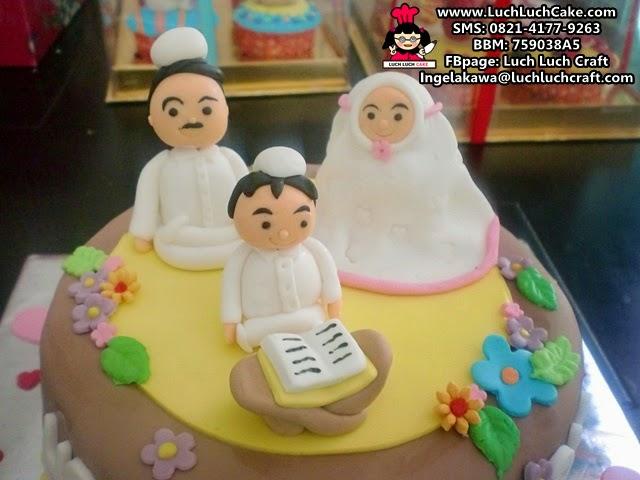 kue tart keluarga muslim