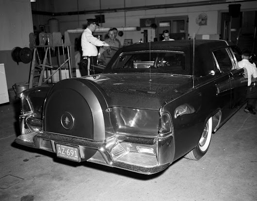 dvp 39 s jfk archives president kennedy 39 s brand new 1961 lincoln continental limousine. Black Bedroom Furniture Sets. Home Design Ideas