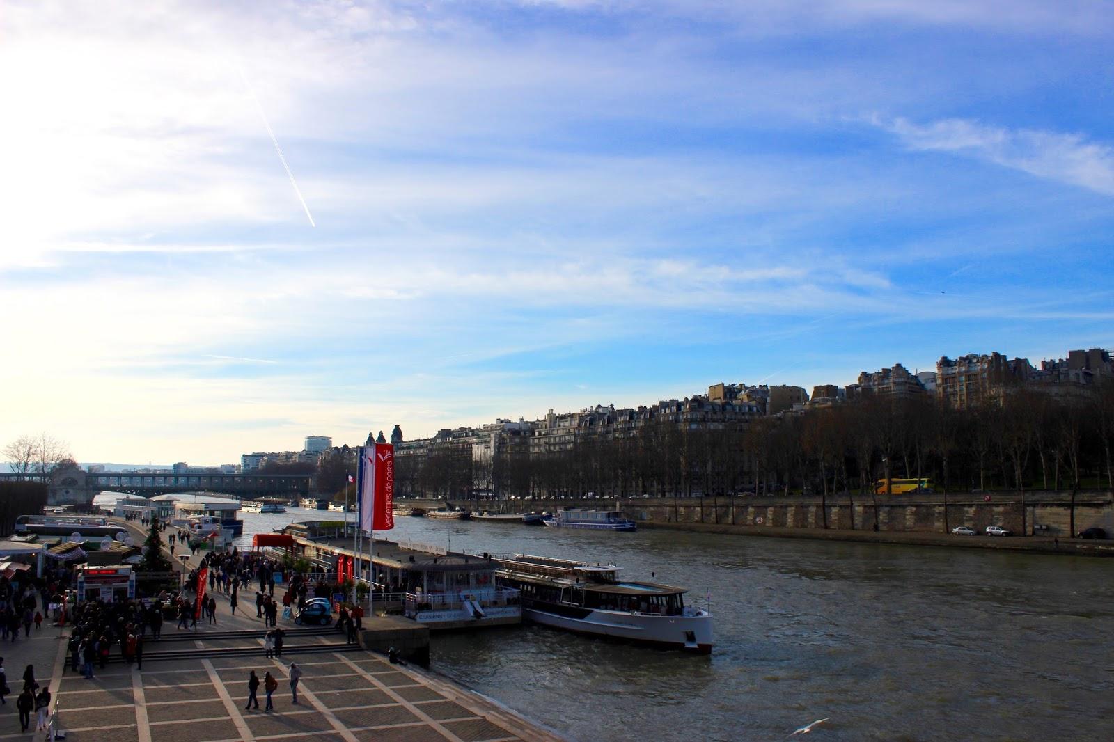 Jalan-Jalan di Paris - Seine River Cruise