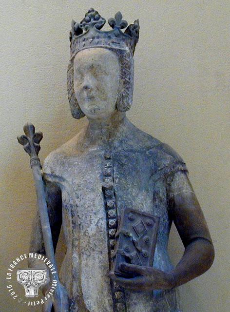 PARIS (75) - Musée du Louvre : Statue de Jeanne de Bourbon (XIVe siècle)