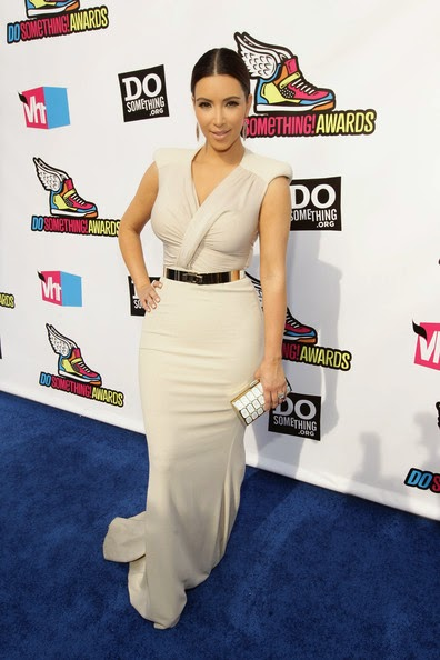 kim kardashian white mermaid evening dress