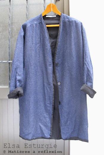 Manteau bleu en laine Elsa Esturgie