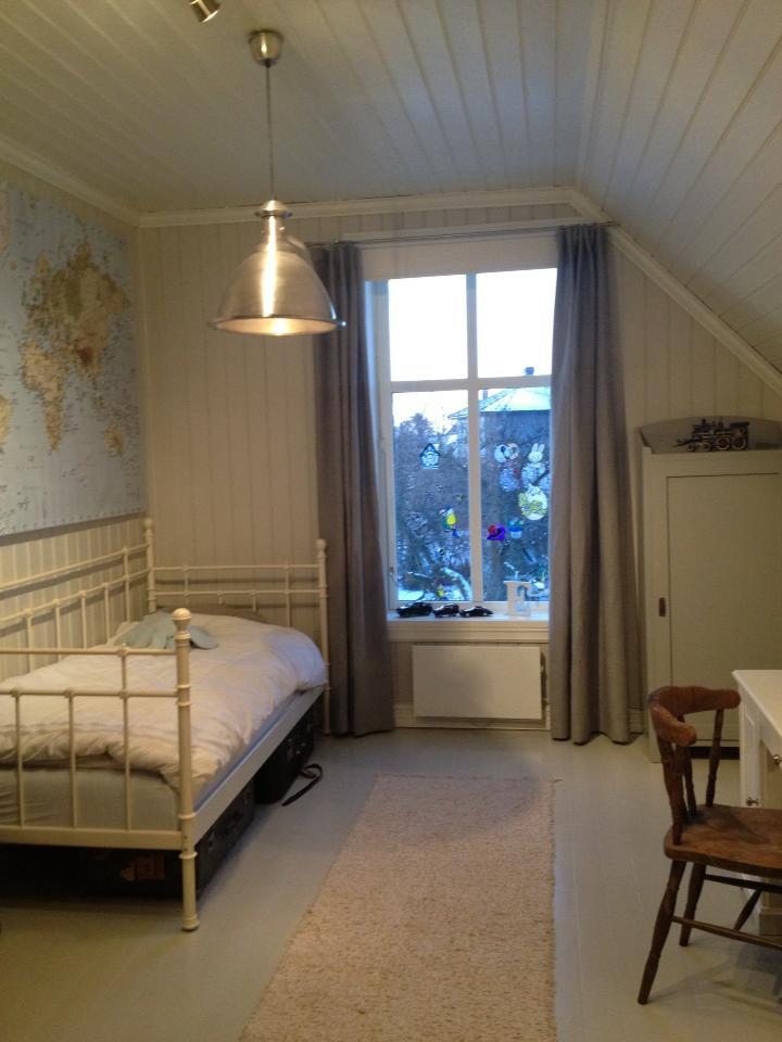 Inspira interiør: barnerom i grå beige toner.