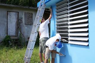 Teen work crew in Hormigueros, PR